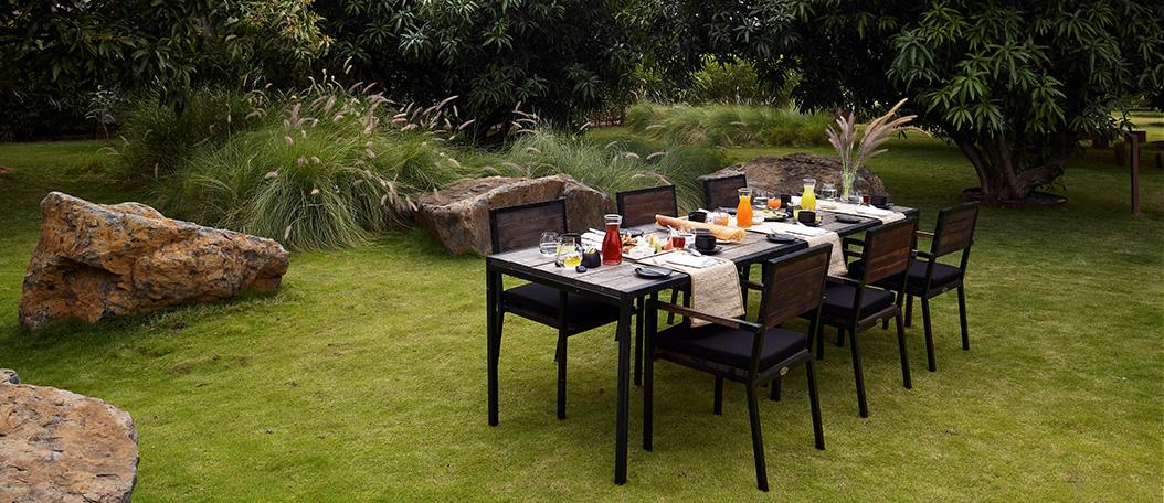 Terracotta Lawn